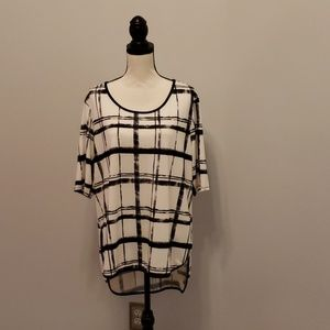 Never worn, no tags Cato Black and White Tunic Top